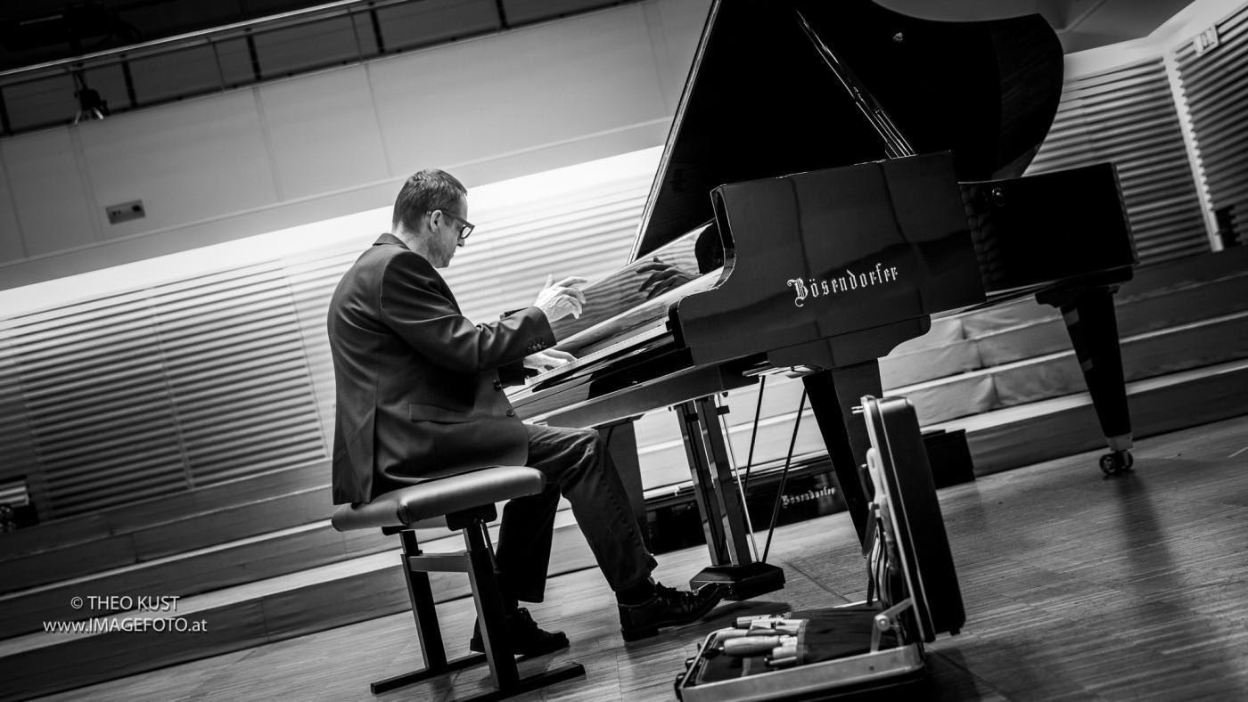 KLAVIERHAUS - Alexander Pekarek | Flügel & Pianos stimmen, reparieren und kaufen